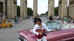 Pseudo-Elvis