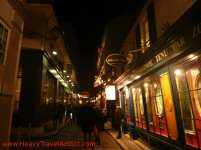Evening stroll at passage Jouffroy