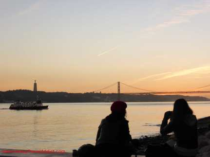 Sunset by the river Tejo