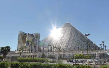 Las Vegas Pyramids