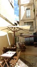 Avignon restaurant square