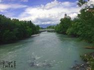 The Hans Wilsdorf Bridge and the Arve seen from the Acacias bridge - for free